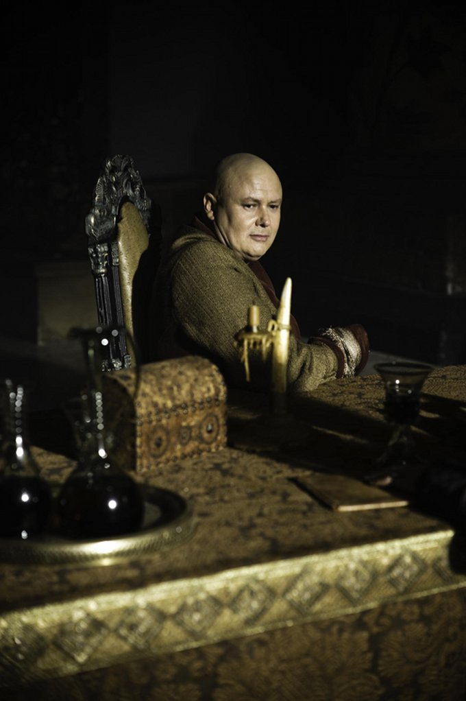 Game Of Thrones Conleth Hill skip crop