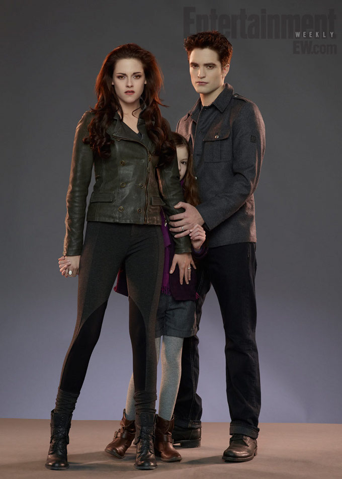 Twilight: Breaking Dawn -- Part 2 Robert Pattinson Kristen Stewart Mackenzie Foy skip crop