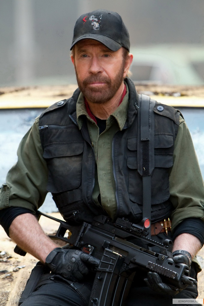 The Expendables 2 Chuck Norris skip crop