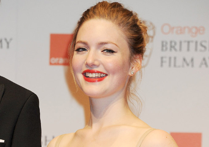 holliday grainger instagram