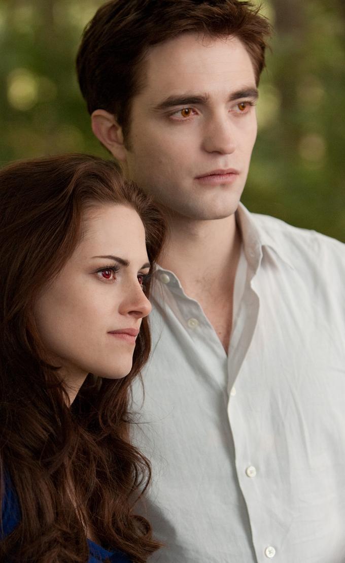 Robert Pattinson Kristen Stewart Breaking Dawn 2 vertical