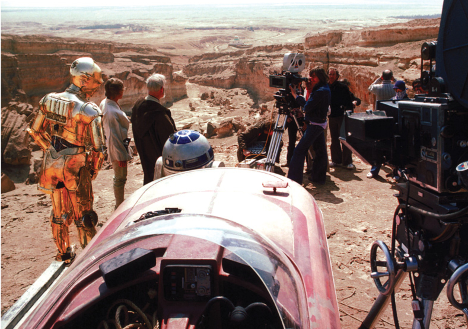 behind the scenes photos of star wars episodes iv v vi show this