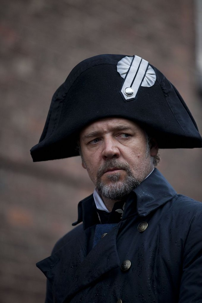 Les Miserables Russell Crowe skip crop