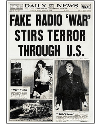 Orson Welles-microphone-350