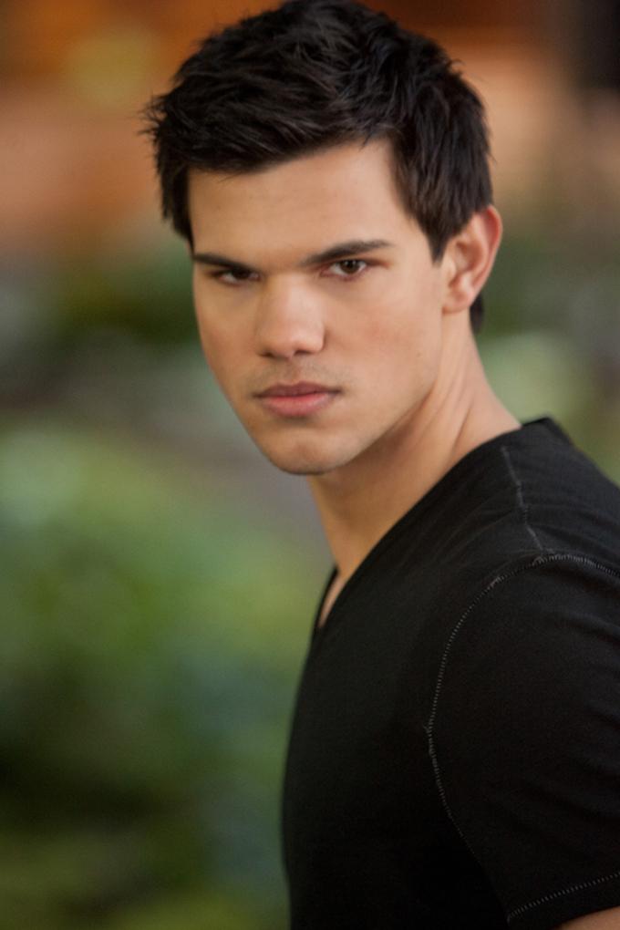 Taylor Lautner Breaking Dawn 2 vertical