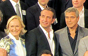 An interesting trio among the throng of nominees posing for the official photo: Glenn Close, Jean Dujardin, and George Clooney.