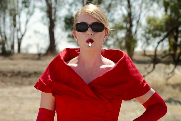 Tiff Review The Dressmaker Starring Kate Winslet Liam Hemsworth Sarah Snook Amp More Indiewire