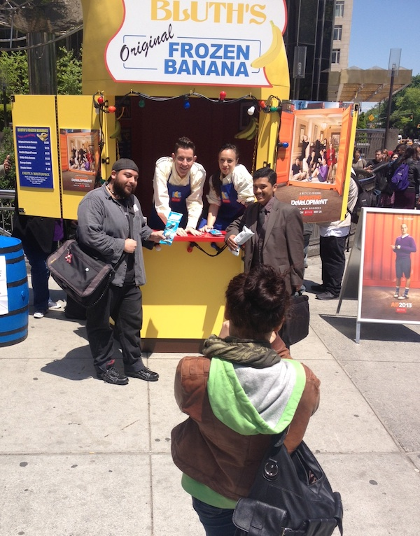 "Some ""Arrested Development"" fans posing with their frozen bananas."