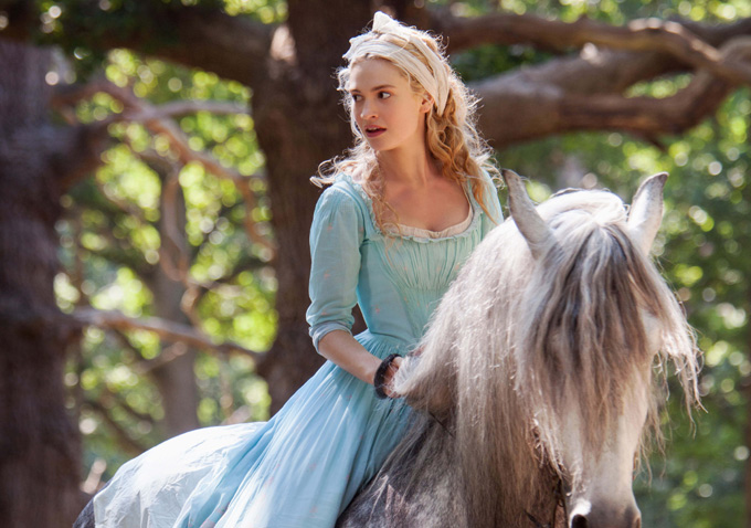 Review Live Action Cinderella With Lily James Amp Cate