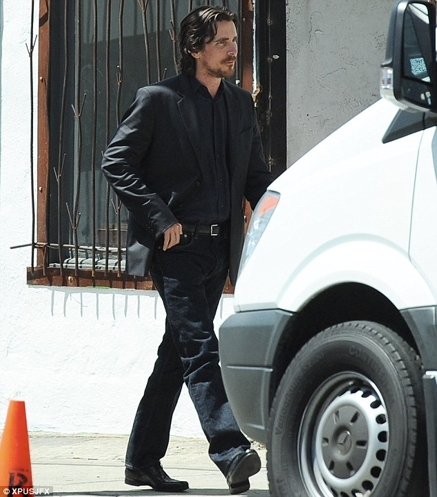 Knight Of Cups Christian Bale skip crop