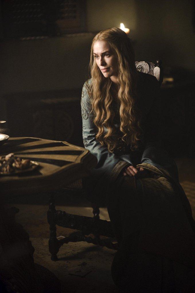 Game Of Thrones Lena Headey skip crop