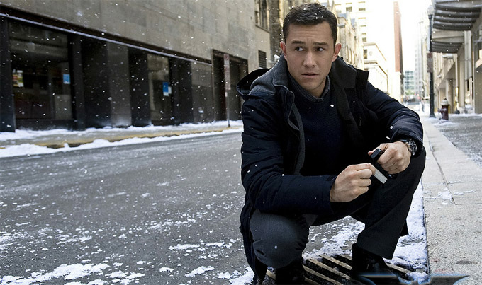 Dark Knight Rises, Joseph Gordon Levitt skip crop