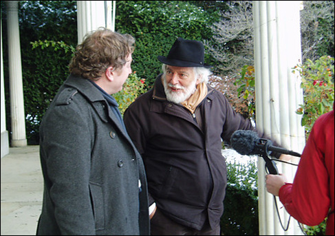 Michael Chaplin (in hat) speaks with filmmaker Matthew Sweet.