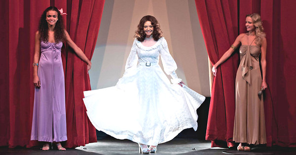Amanda Seyfried Lovelace Dress