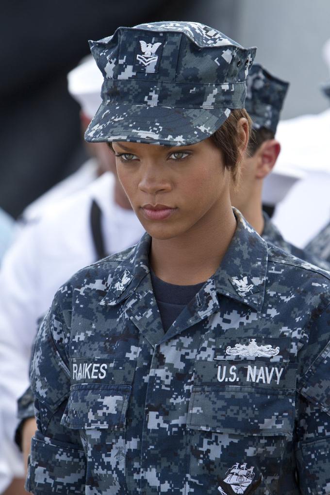 Battleship Rihanna skip crop