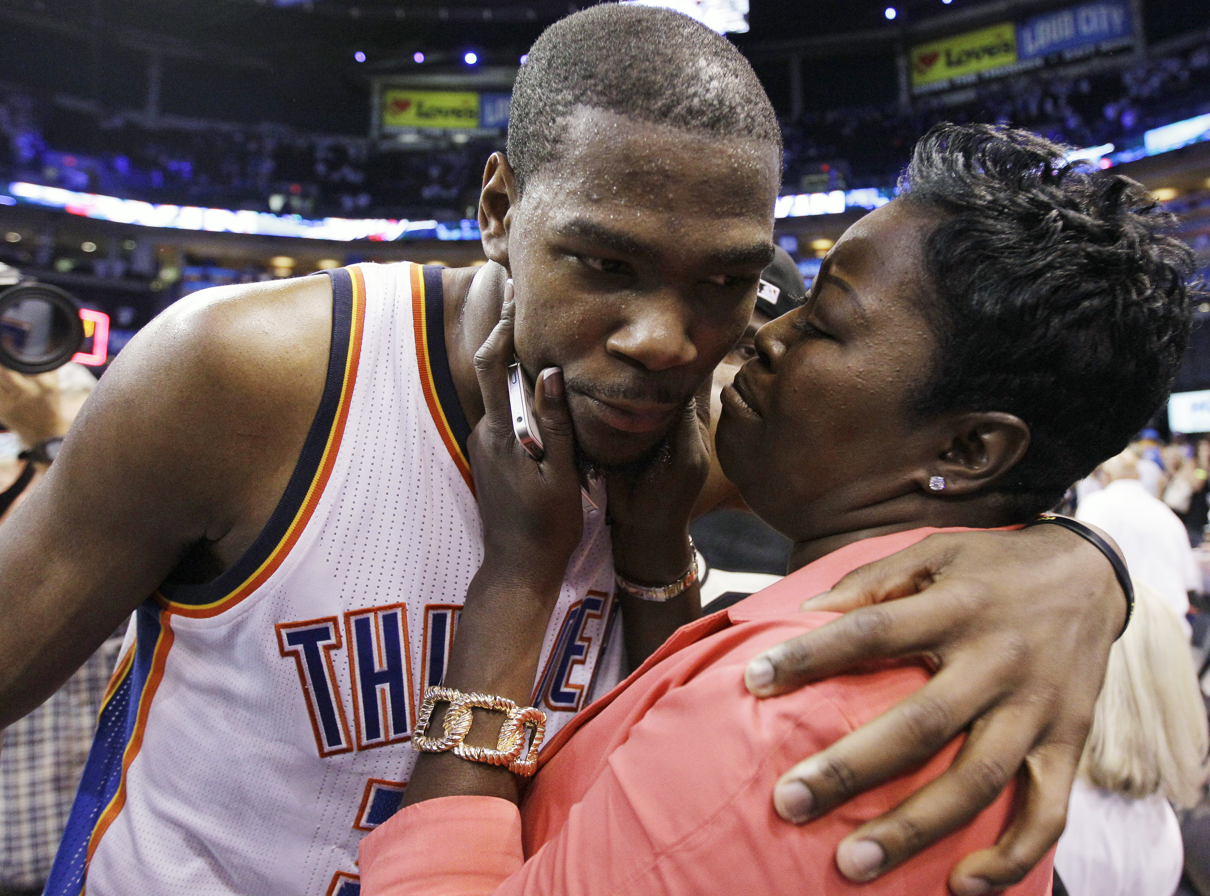 Kevin Durant and Mother Wanda Pratt