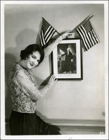 Starlet Mary Philbin-352