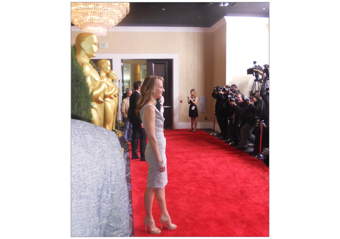 Helen Hunt looking svelte and radiant poses for the photogs.