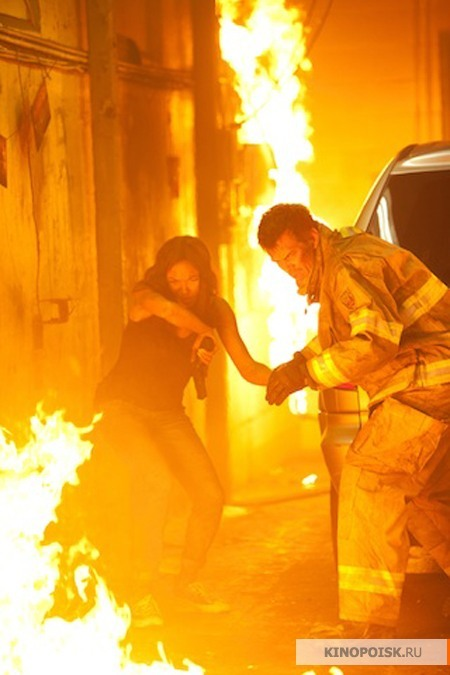 Fire With Fire Rosario Dawson Josh Duhamel