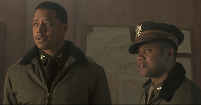 Terrence Howard and Cuba Gooding, Jr. in Red Tails