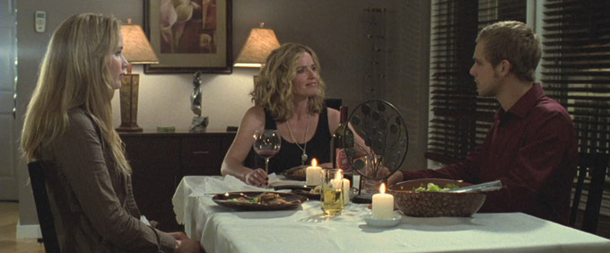 Jennifer Lawrence House At The End Of The Street Max Theriot Elisabeth Shue skip crop