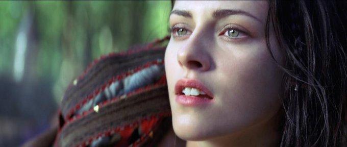 Snow White And The Huntsman Kristen Stewart skip crop