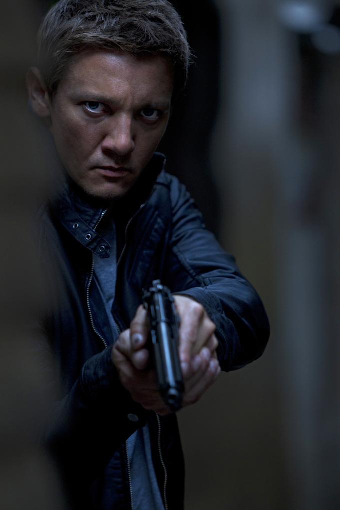 Bourne Legacy, Jeremy Renner skip crop