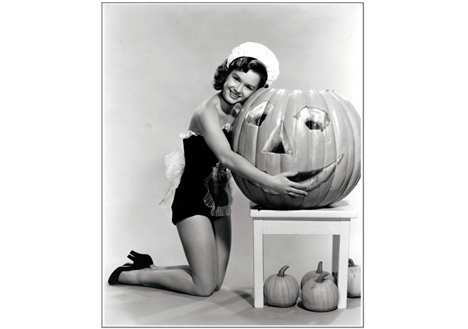 Debbie Reynolds-Halloween-680