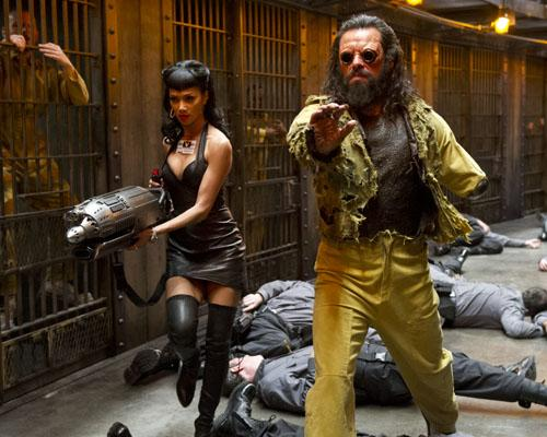Jemaine Clement & Nicole Scherzinger 'Men In Black 3' skip crop