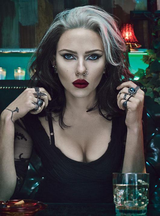 Scarlett Johansson Goth skip crop