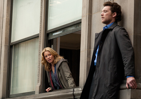 Elizabeth Banks and Sam Worthington