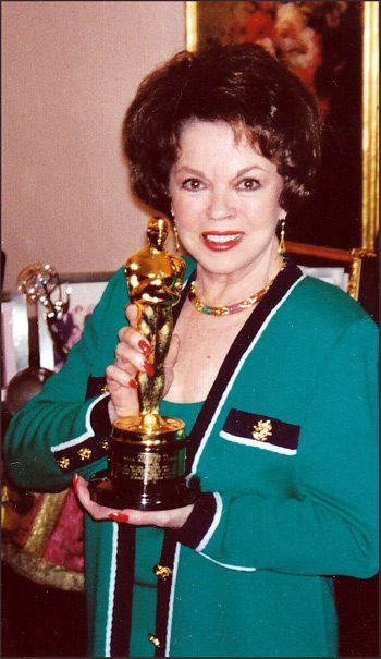 Shirley proudly displays her honorary Oscar