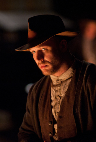 Tom Hardy-Lawless-325