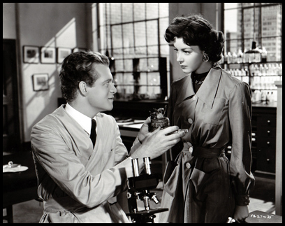 Van Heflin and Marsha Hunt in 'Kid Glove Killer' (1942).