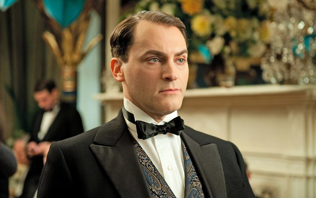 How Michael Stuhlbarg Plumbs Emotion in 'Trumbo' and ...