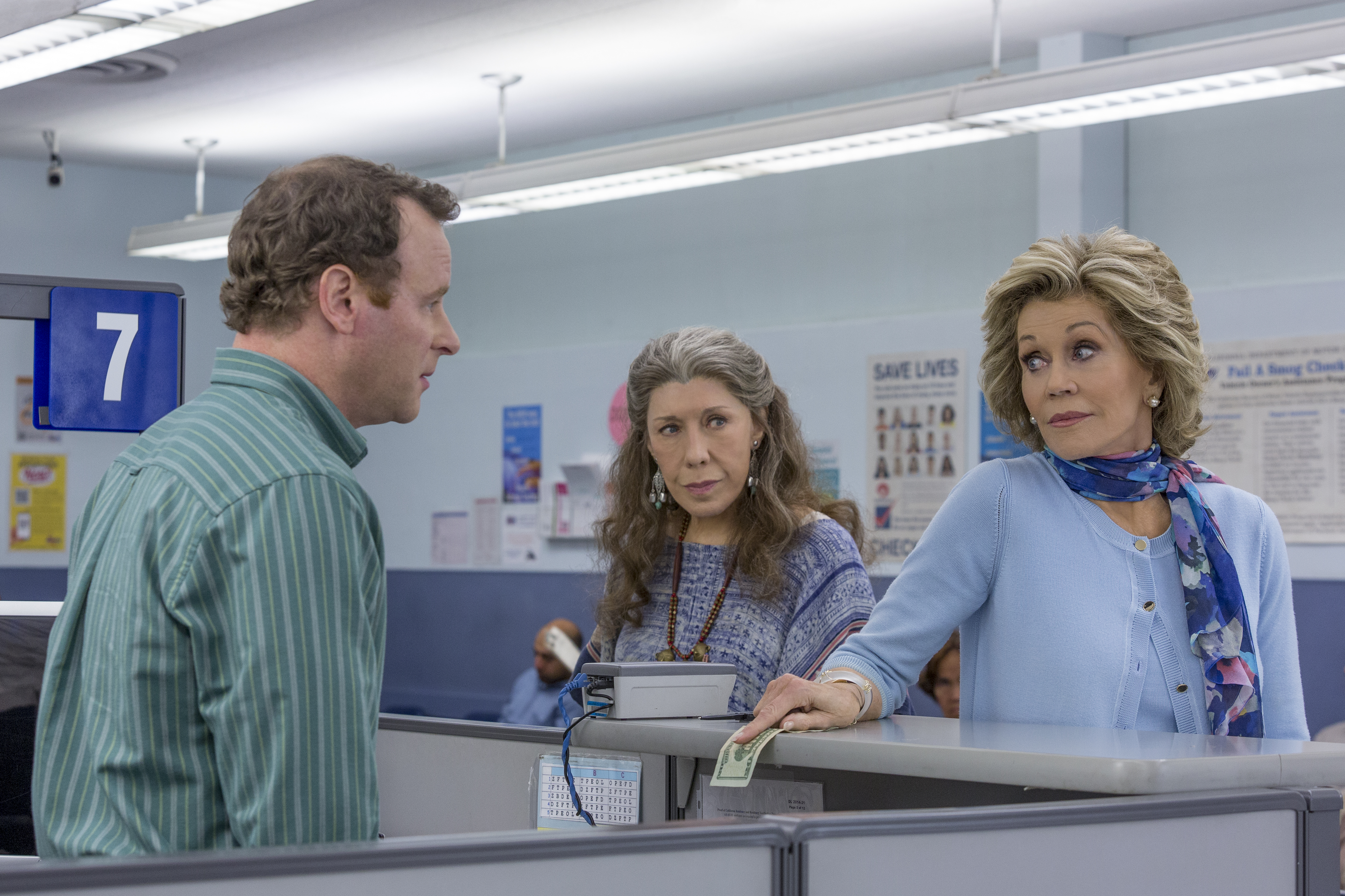 Jane Fonda and Martin Sheen Revisit Their Youth in \'Grace and ...
