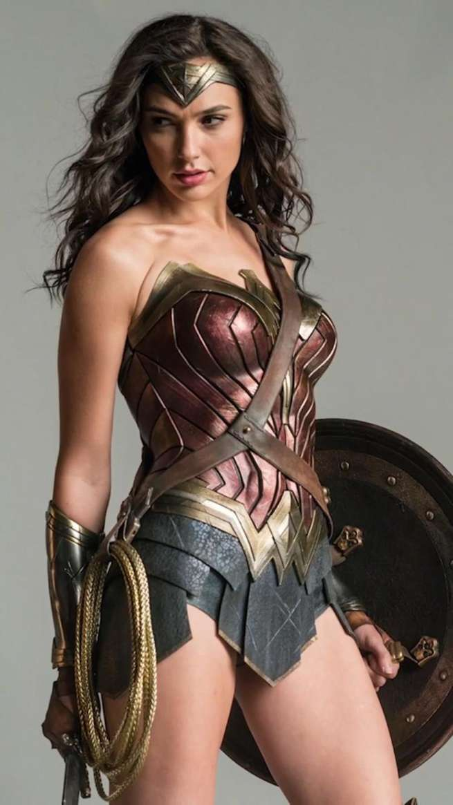 Wonder Woman Cosplay Hot